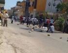 Portopalo. Lanci di pietre e tensione, la rivolta dei migranti all'ombra del castello Tafuri