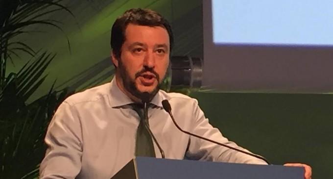 """Salvini: 'La verità? Conte leggeva il decreto Di Maio scriveva! Non passo per scemo!"""""""