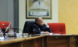 Portopalo, presentata mozione di sfiducia contro il sindaco Mirarchi