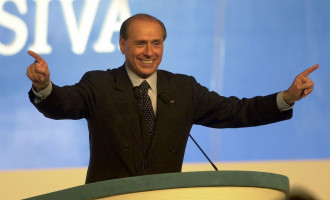 """Berlusconi, profilo Fb inondato di critiche: """"Con Sea Watch vi siete giocati i voti rimasti"""""""