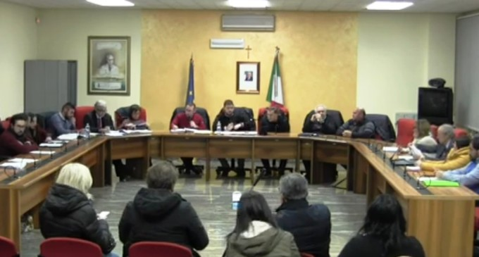 Portopalo, caos in consiglio comunale