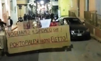 Portopalo, i cittadini contro la sfiducia al sindaco Montoneri